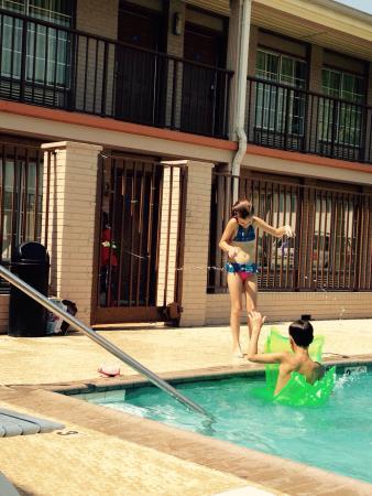 Americas Best Value Inn - Gulfport : photo1.jpg