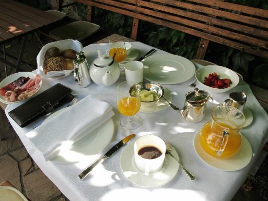 Blansingen, Allemagne : Tasty breakfast