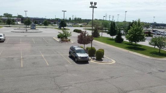 Holiday Inn Express Hotel & Suites Bay City: view from room to parking lot