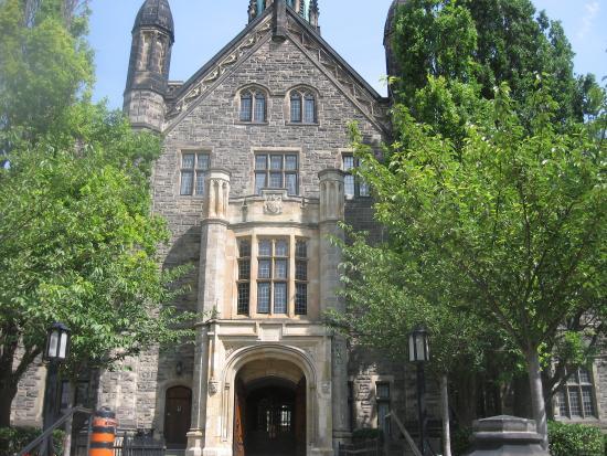 university of toronto trinity college essay