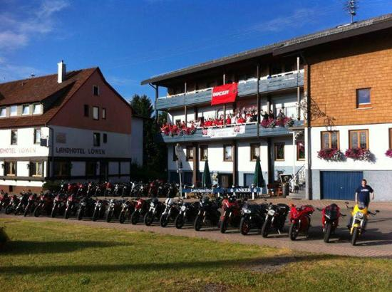 Simmersfeld, Deutschland: DUCATICLUB.BE visits the hotel