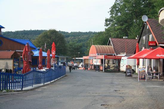 Penziony Gaudeo: Dam Lane Vranov (restaurant, Disco, Bistro, Boat trips)