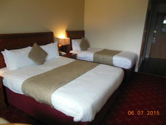 McWilliam Park Hotel : kamer