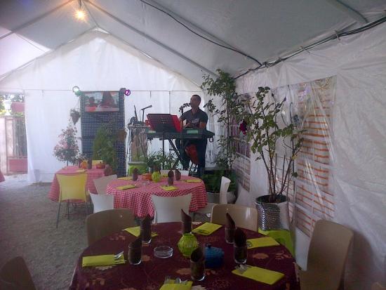 Cintegabelle, Γαλλία: Stand de restauration Musicale