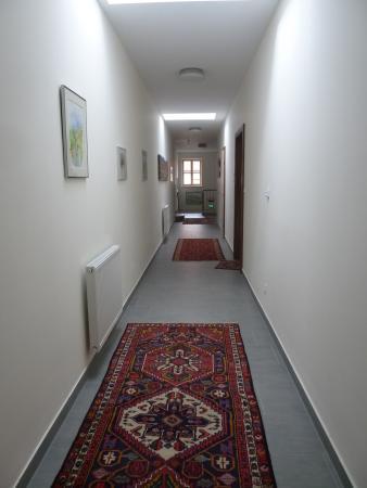 Lehensteiner Wachau: Pasillo de acceso a los apartamentos