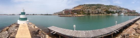 Punta Palma Hotel & Marina: El faro y de fondo el hotel