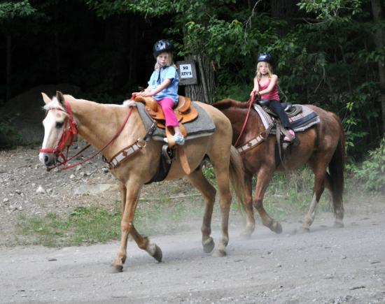 Warrensburg, NY: Trail rides