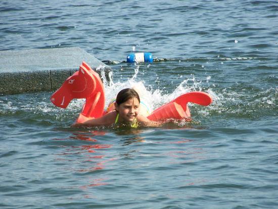 Warrensburg, Nowy Jork: Safe swimming environment