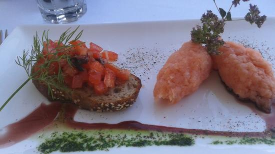 Restaurant Schonegg: Salmon Tartare  with Bruschetta