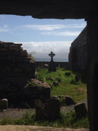 Ballinskelligs Old Burial Ground: Der Friedhof entstand auf dem ehemaligen Klosterboden...
