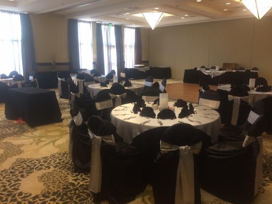 Holiday Inn San Antonio NW - Seaworld Area: Ballroom photo with windows from floor to ceiling