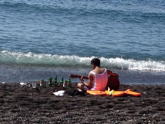 Bali Bhuana Beach Cottages: Sfeer op het strand