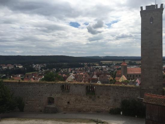 Hotel Burg Abenberg: Fantastic stay, memorable location and friendly staff.