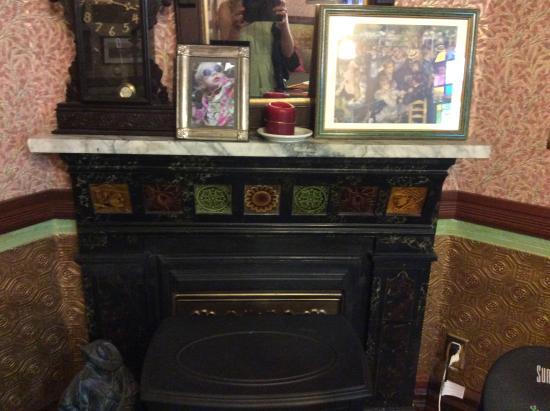 Geiger Victorian Bed & Breakfast: Living Room