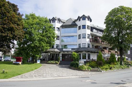 Hotel Liebesglück: Hotel as seen from the street