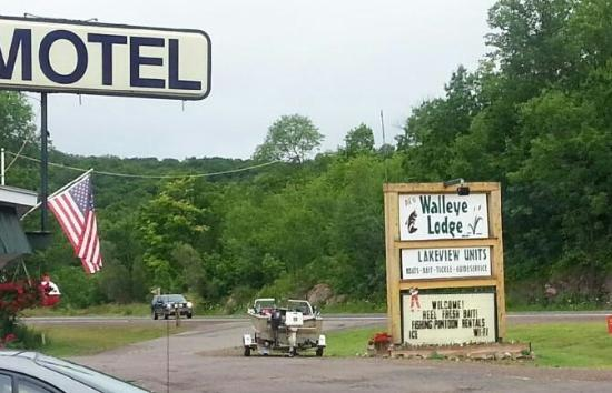 Bergland, MI: Welcome to The Walleye Lodge!