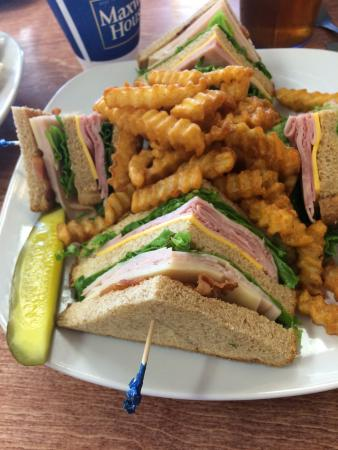 The Bake Shoppe Cafe': Club sandwich