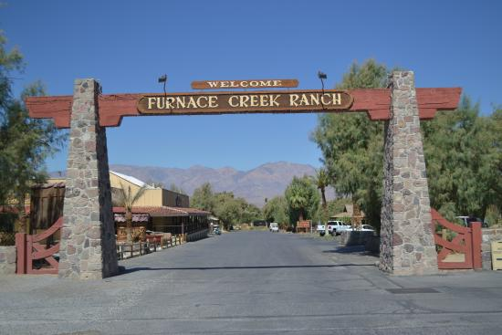 Furnace Creek Inn and Ranch Resort : L'entrata...
