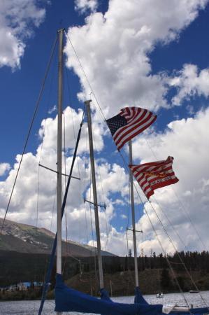 Dillon Reservoir: Ship flags in light breeze