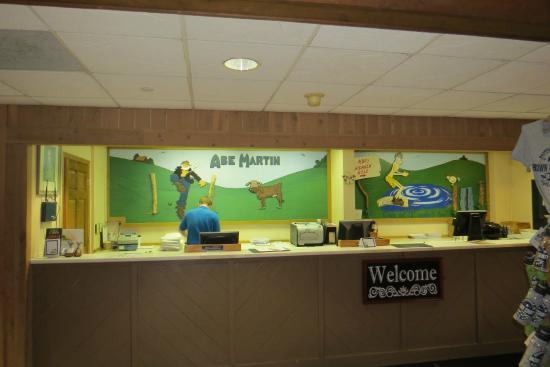Front Desk Picture Of Abe Martin Lodge Nashville