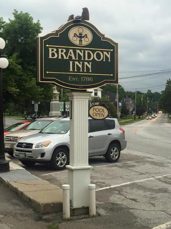 Brandon Inn: front of the hotel