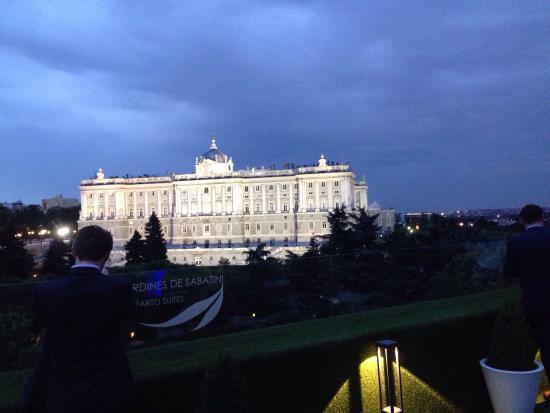 Vista del palazzo real picture of terraza rooftop for Terraza sabatini madrid