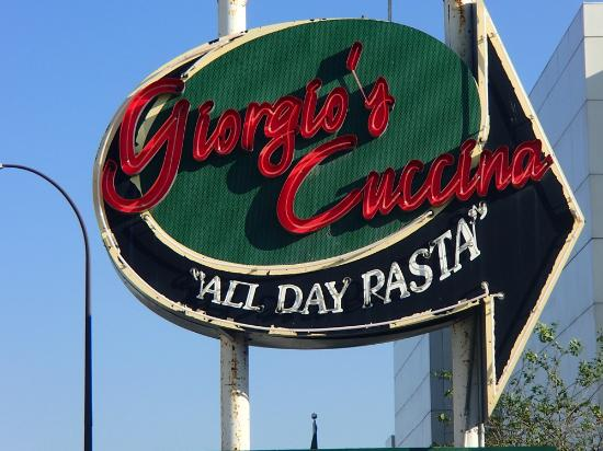 Giorgio's Cuccina: Exterior Sign