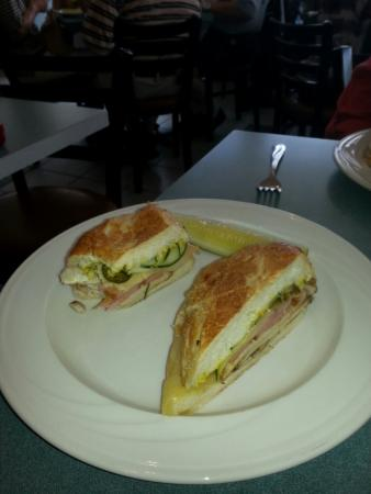Sylvan Lake, MI: Cubano and Greek Salad at Ellen's
