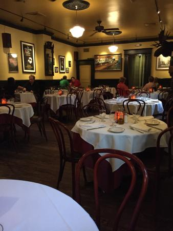 Louie's Italian Restaurant & Bar