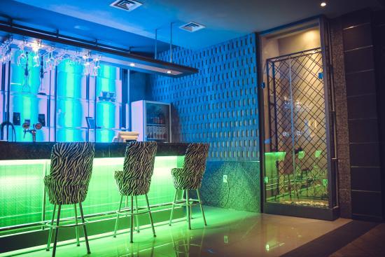 Karaoke-Bar Dve Zvezdy