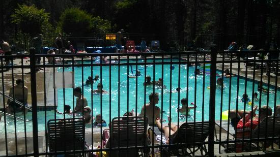 Leavenworth / Pine Village KOA: Leavenworth KOA pool a very popular area. Lol