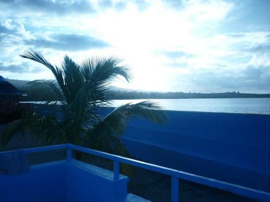 Auga Seaside Resort: Sunset view.