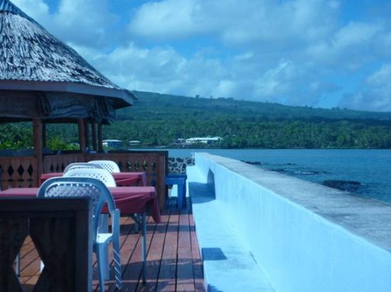 Auga Seaside Resort: Dining area option or sun deck for relaxing.