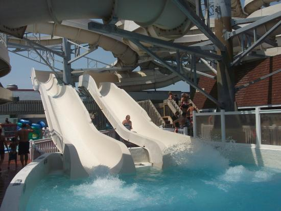 Boardwalk Adventures Water Park : Racing slides!