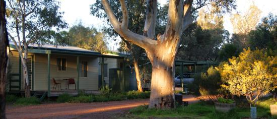 Quorn Caravan Park: 2-br cabins