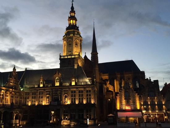 Town Hall : Veurne by night