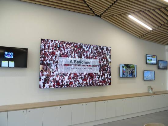 Mur d 39 crans picture of office de tourisme de bayonne bayonne tripadvisor - Bayonne office de tourisme ...