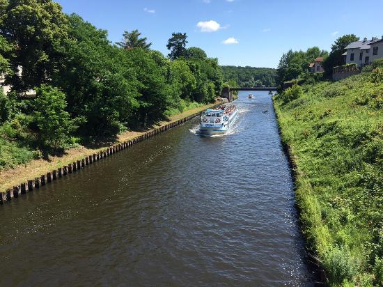 Potsdam per Pedales : Un canale navigabile