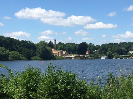 Potsdam per Pedales : Un laghetto sul percorso