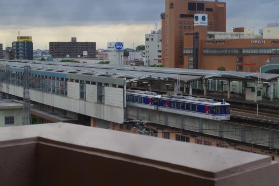 Toyoko Inn Tottori-eki Minami-guchi : 客室から見た鳥取駅
