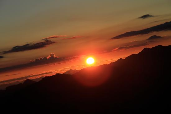 Nendaz, Suisse : En été, ne manquez pas le lever du soleil au Mont-Fort (3330m)