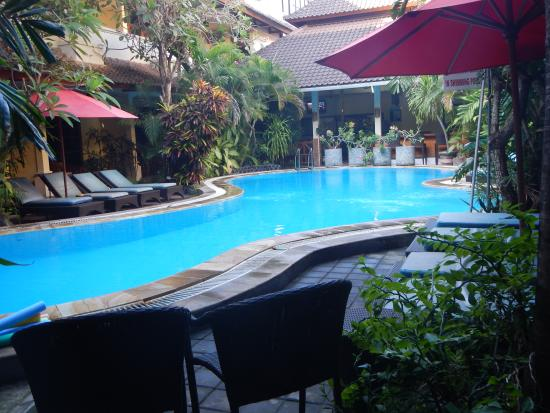 Secret Garden Inn: the pool