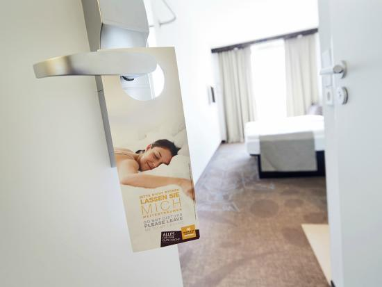 Première Classe Dusseldorf-City: Room