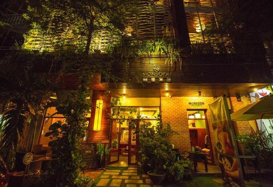 Monsoon Boutique Hotel: Hotel  entrance