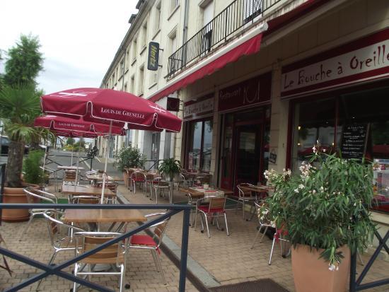 Le Bouche à Oreille Saumur : vue sur la terrasse