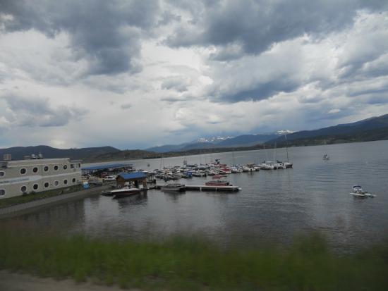 Grand Lake Visitor Center : озеро