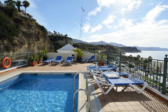 Apartamentos HC Burriana Playa: PISCINA Y SOLARIUM