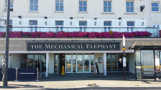 The Mechanical Elephant - J D Wetherspoon