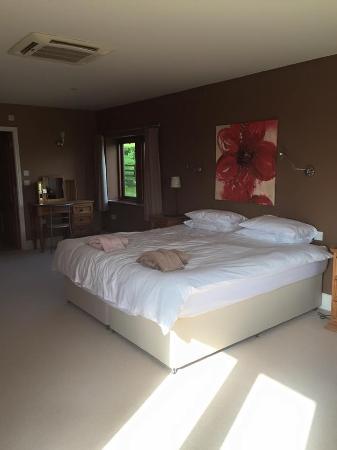 Peak Forest, UK: Master Bedroom