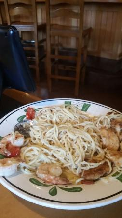 Thos Is The Lousy Shrimp And Chicken Carbonara So Don 39 T Get Tricked Into It It Comes With 3 Sh